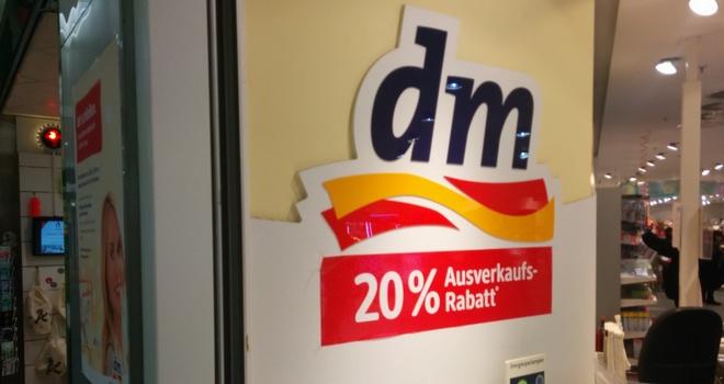 dm Filiale schließt Ausverkauf